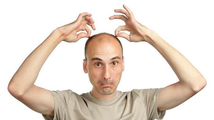 Стрессы приводят к интенсивному выпадению волос
