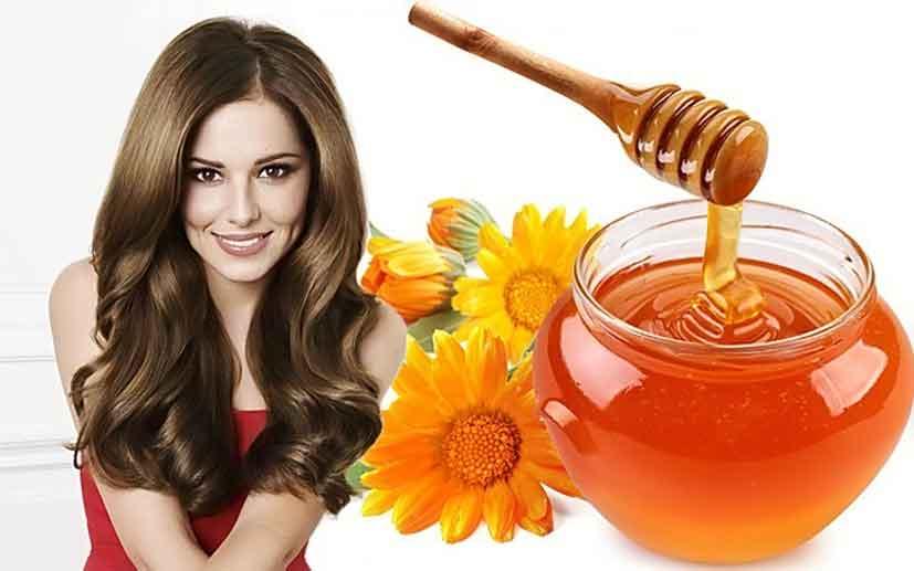 Мед обычно смешивают с желтками яиц и наносят на голову