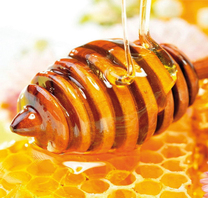 Мед нельзя держать на волосах более 2 часов