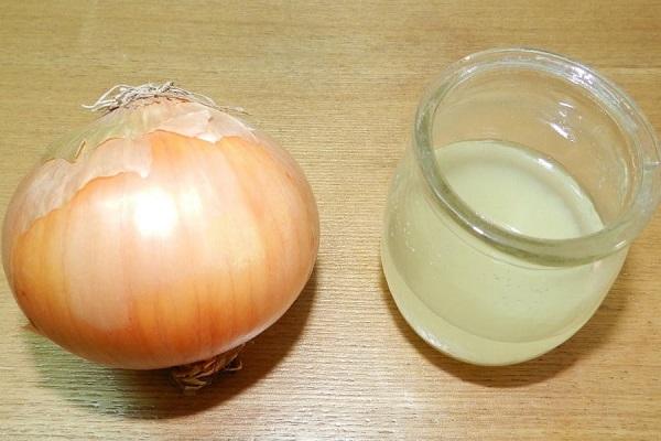 Луковый сок помогает от выпадения волос