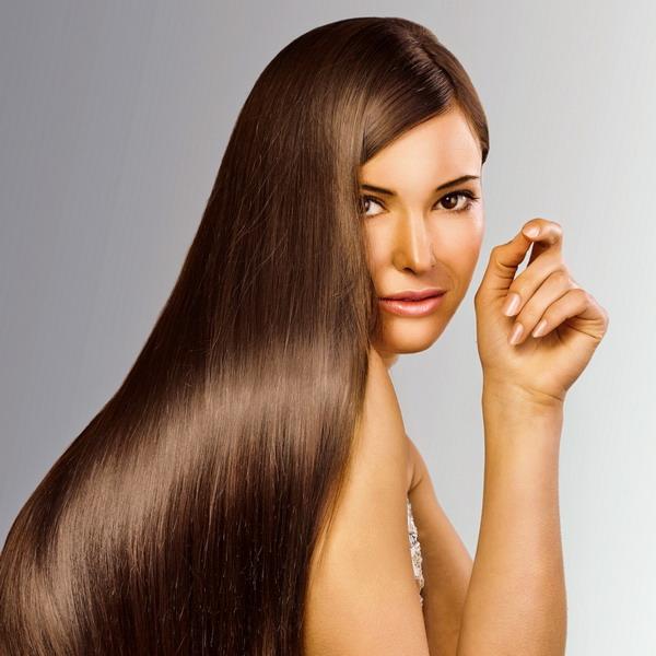 Маска для волос, которая накладывается при молекулярном восстановлении, годится как для использования в салоне, так и для применения дома