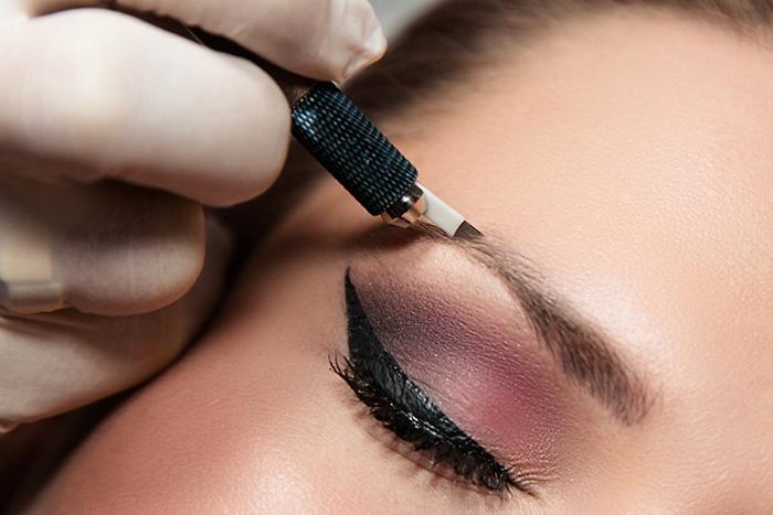 Брови с перманентным макияжем выглядят очень натурально и красиво