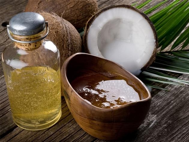 Природные масла могут быть простыми и эфирными, полезны и те, и другие