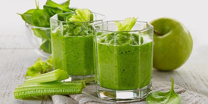 Для борьбы с плешью надо есть много зелени