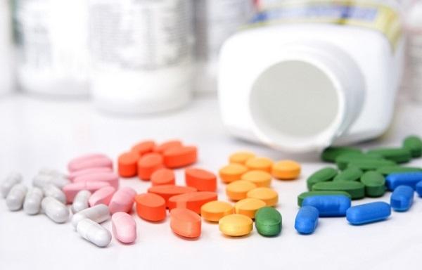 В аптеках продаются витамины разных форм, что удобно