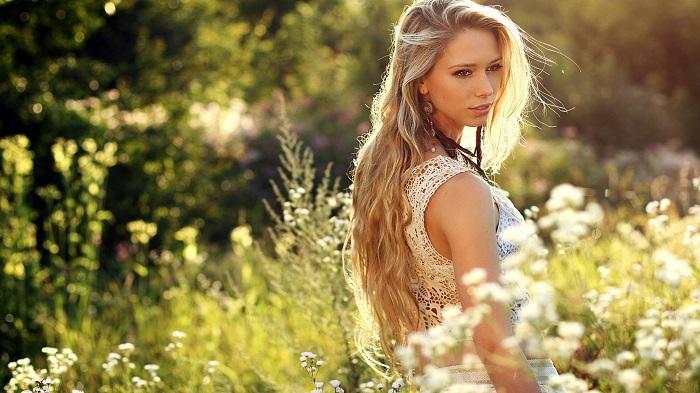 Природа всегда поможет в процессе стимулирования волос к естественному росту