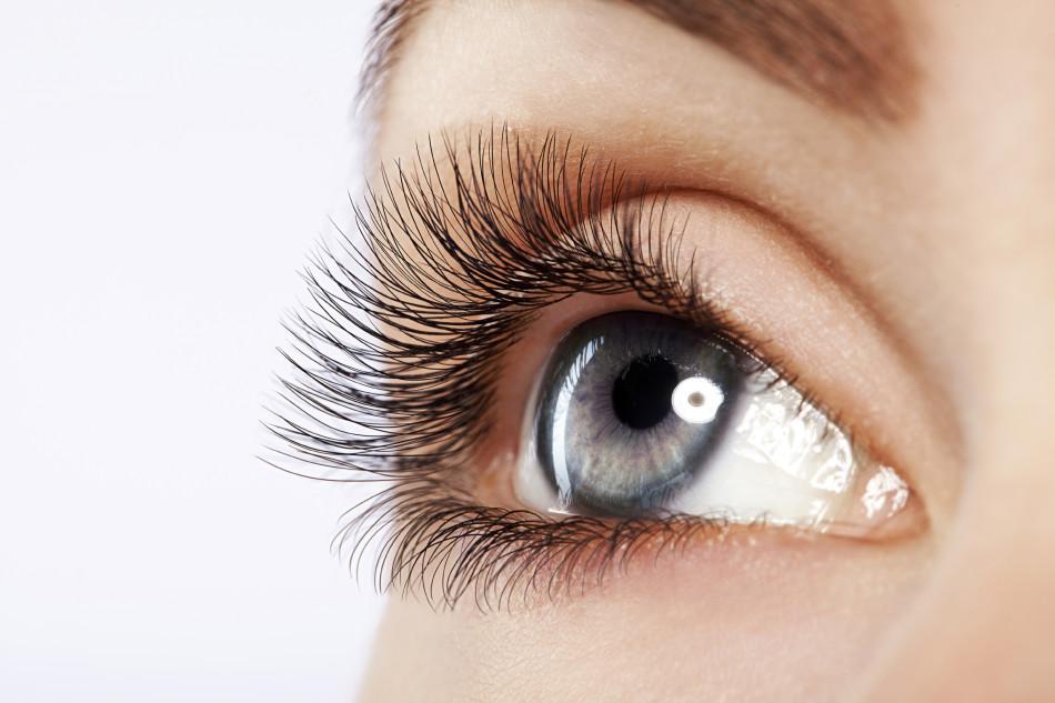 Глаз после посещения кабинета косметолога