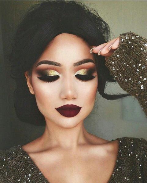 Так выглядит вечерний макияж с нарощенными ресницами