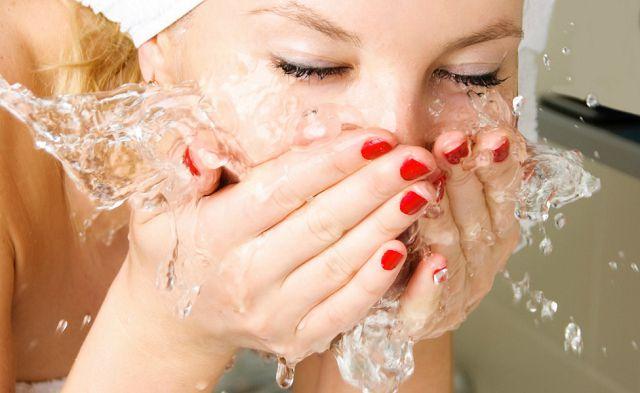 Как мыть лицо с нарощенными ресницами