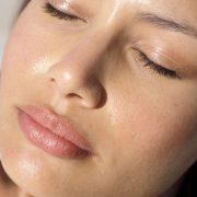 Жирная кожа может быть эффективно вылечена