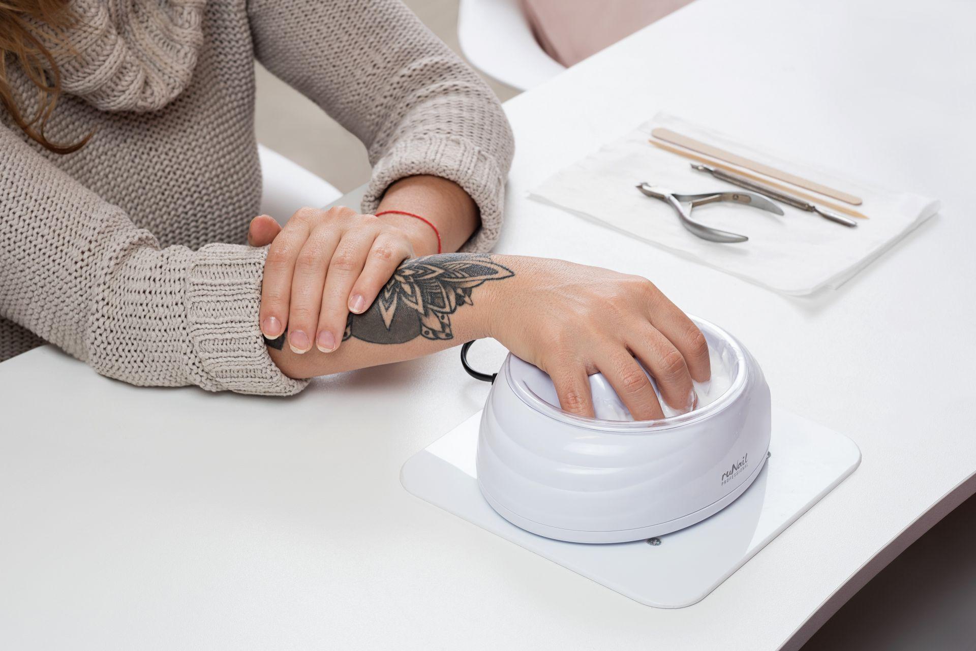 Горячий маникюр – одна из лучших техник по укреплению ногтей и оздоровлению кожи
