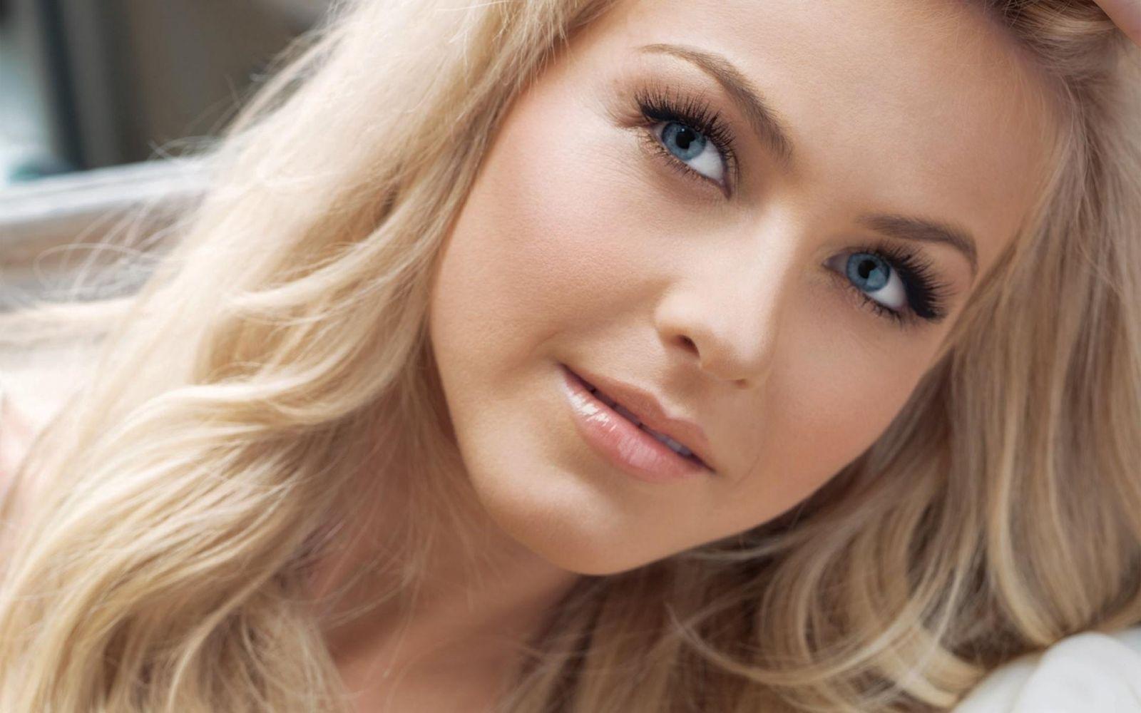 Оттенок бровей для блондинки