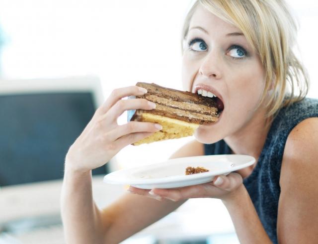 Необходимо правильно питаться и не злоупотреблять сладким