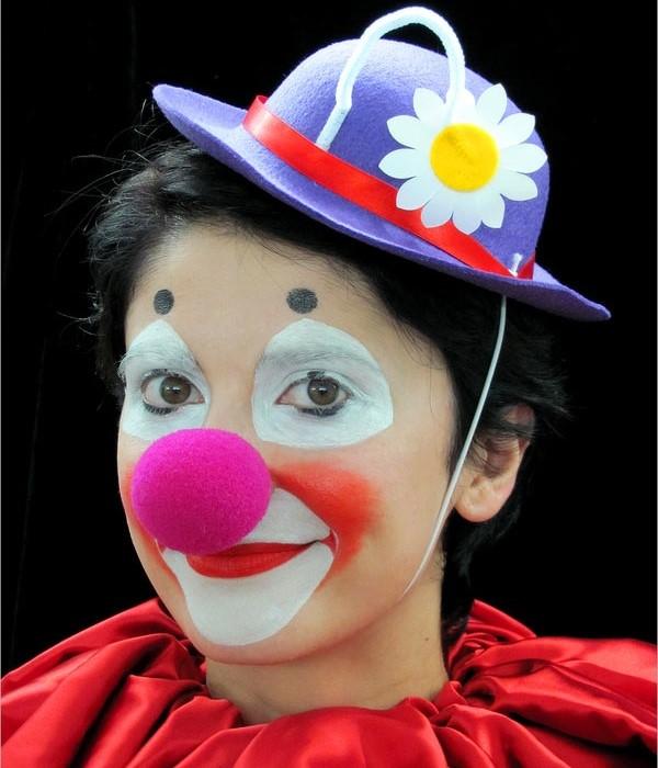 Веселая клоунесса