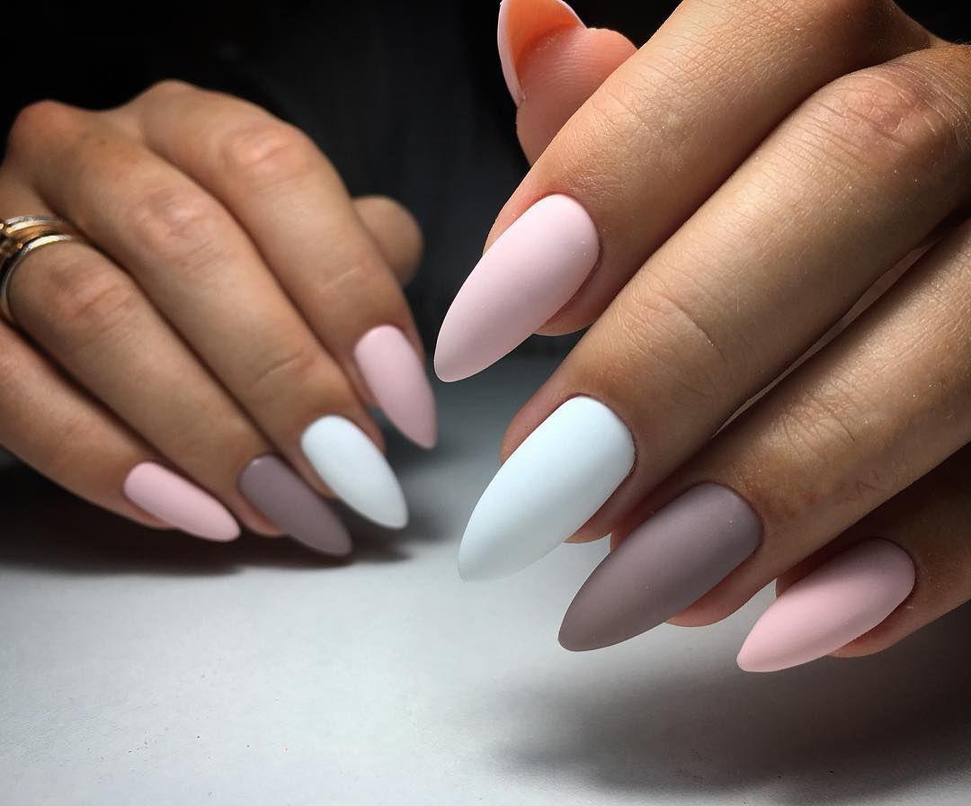 Придать ногтям шикарный вид можно и в условиях своей квартиры