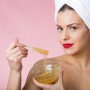 Шугаринг – бюджетная, но эффективная манипуляция по удалению волос
