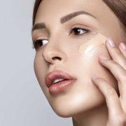 Тональный продукт создан для того, чтобы скрывать погрешности кожи