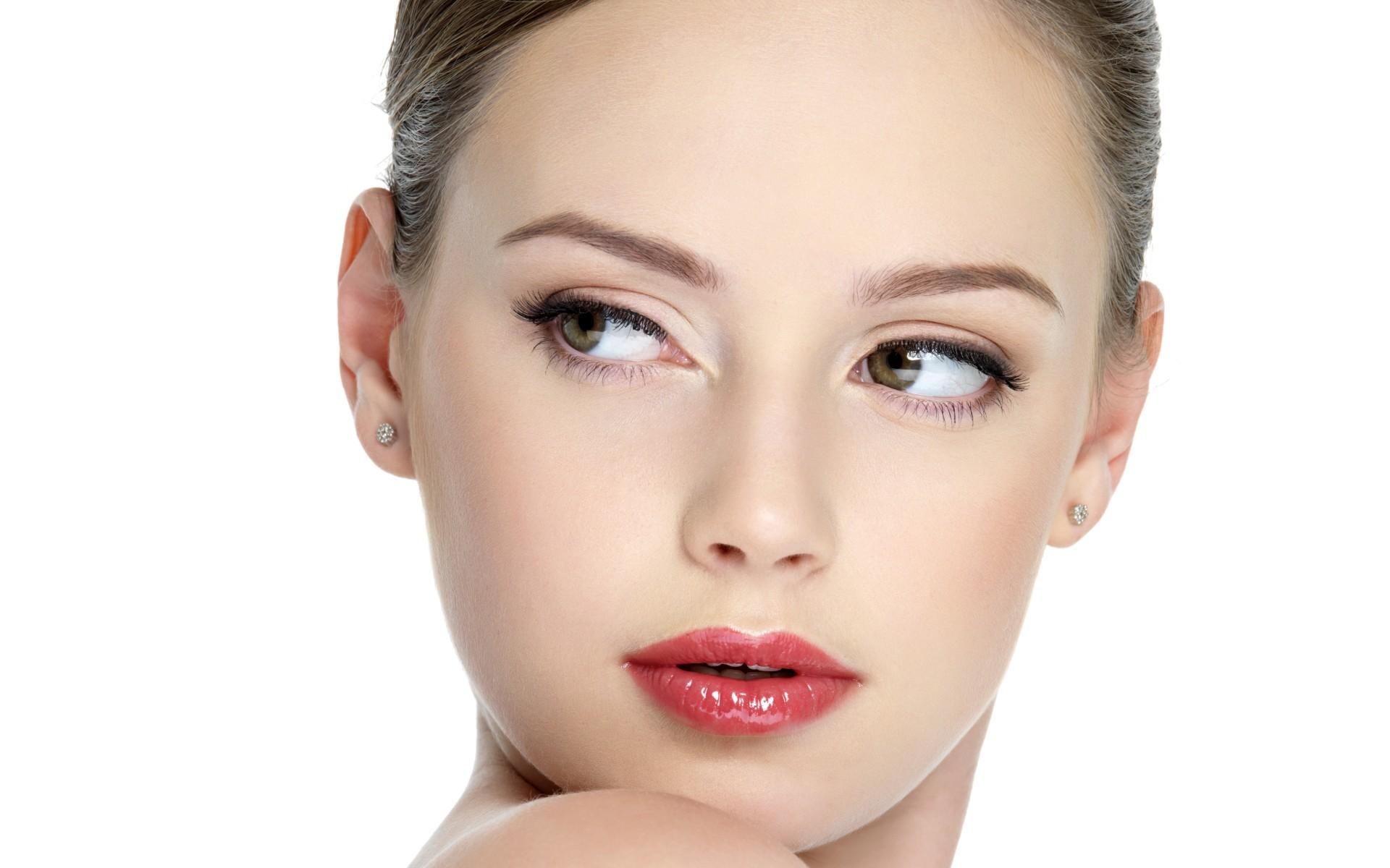 Самый модный из повседневных макияжей – естественный