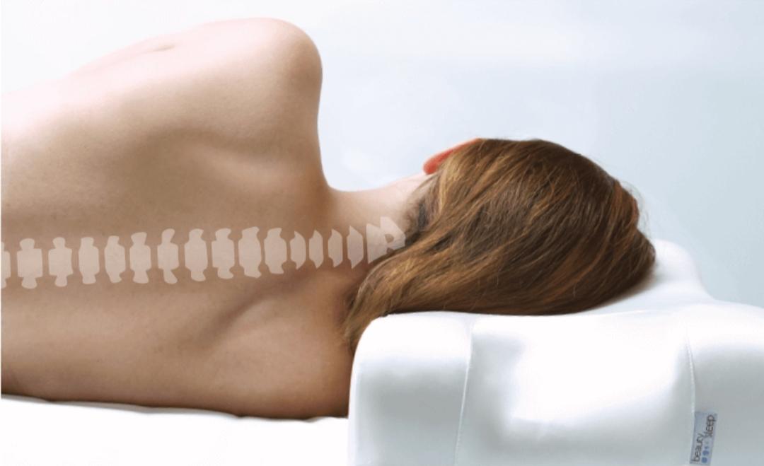 Правильное положение шейного отдела позвоночника во время сна