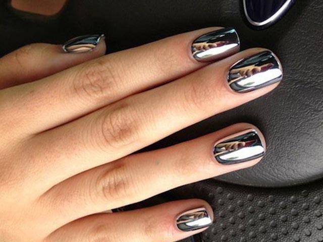 Серебряное покрытие с эффектом стали