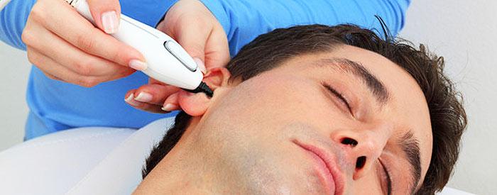 Применение триммера для уха