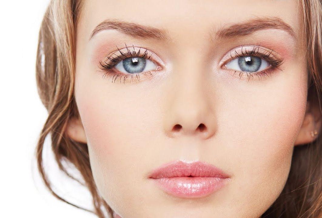 Естественный мейкап для серых глаз
