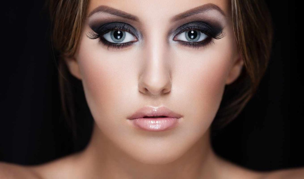 Вечерний образ для серых глаз
