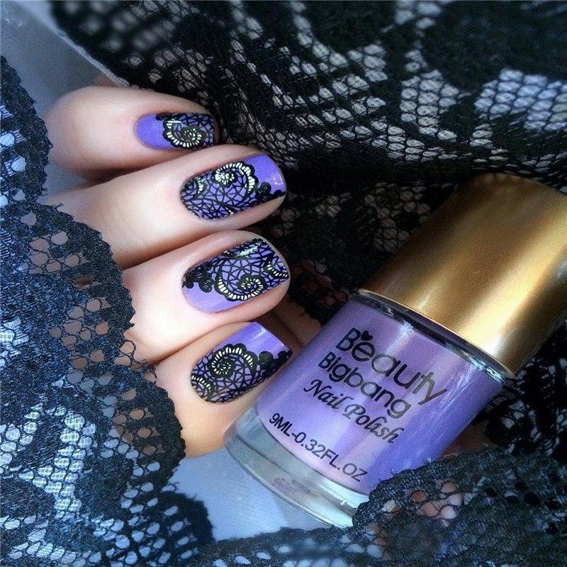Стемпинг на ногтях смотрится очень стильно и оригинально
