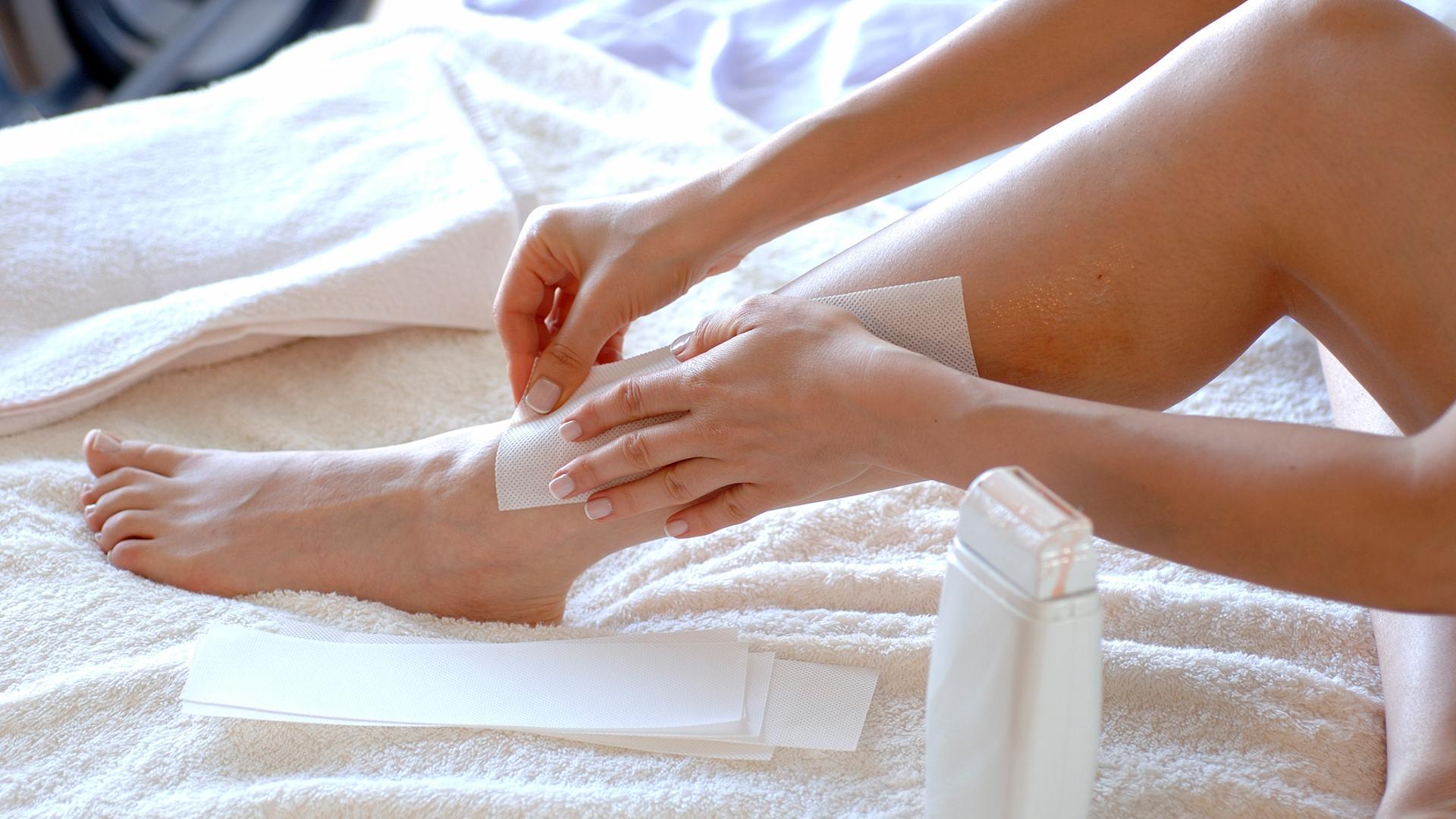 Как убрать воск с кожи после депиляции