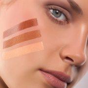 Хорошо подобранный тональный крем на коже практически не заметен