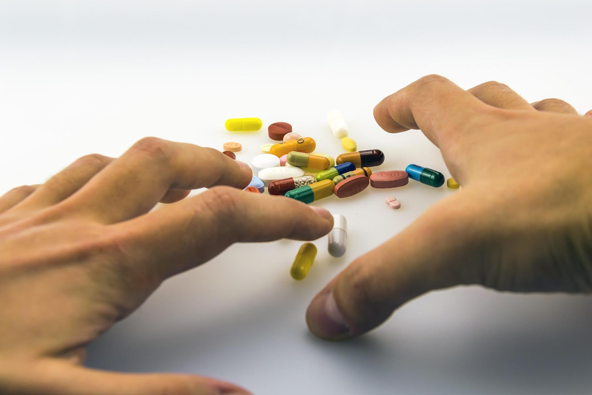 Аптечные средства для победы над сухостью рук