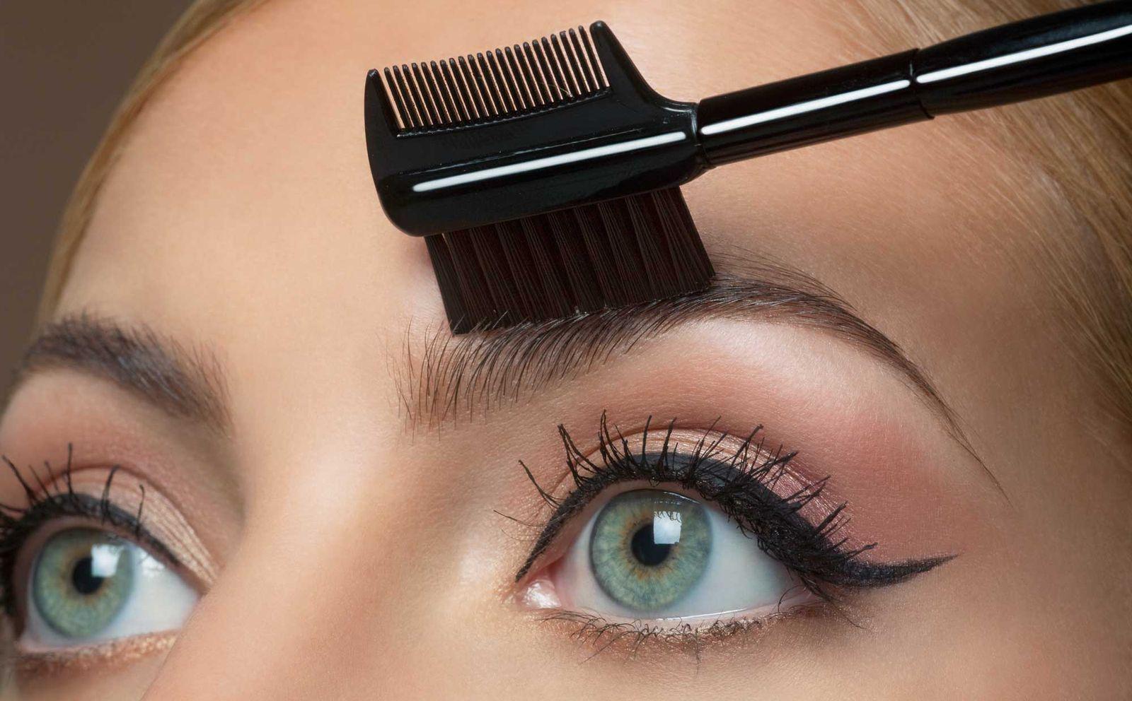 Расчесывание для укладки непослушных волосков