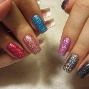 Модная голография на ногтях