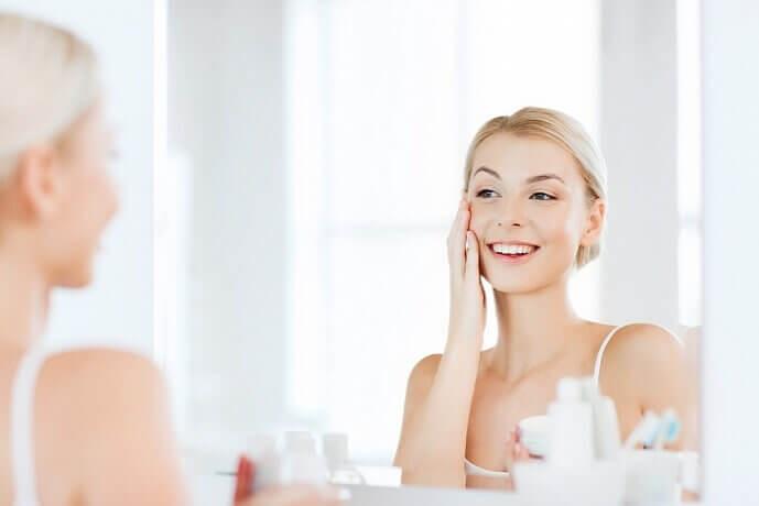 Как увлажнять кожу лица в домашних условиях, чтобы она засияла