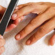 Маникюр для мужчин позволяет сделать руки ухоженными